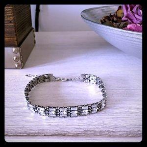 NWOT BaubleBar Crystal & Silver Choker Necklace